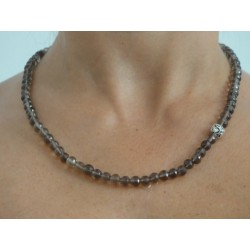 Collier en quartz fumé
