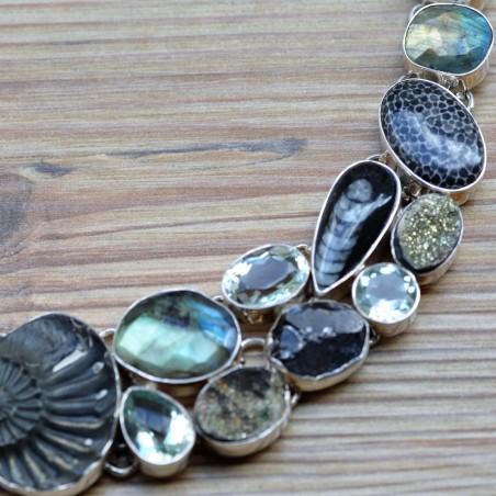 Collier plastron en améthyste verte, spectro pyrite, ammonite et astrophyllite et argent 925