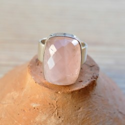 grosse bague rectangulaire quartz rose