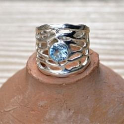 bague anneau large argent ajouré avec pierre bleue