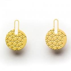 boucles clous dorées empreintes contemporaines