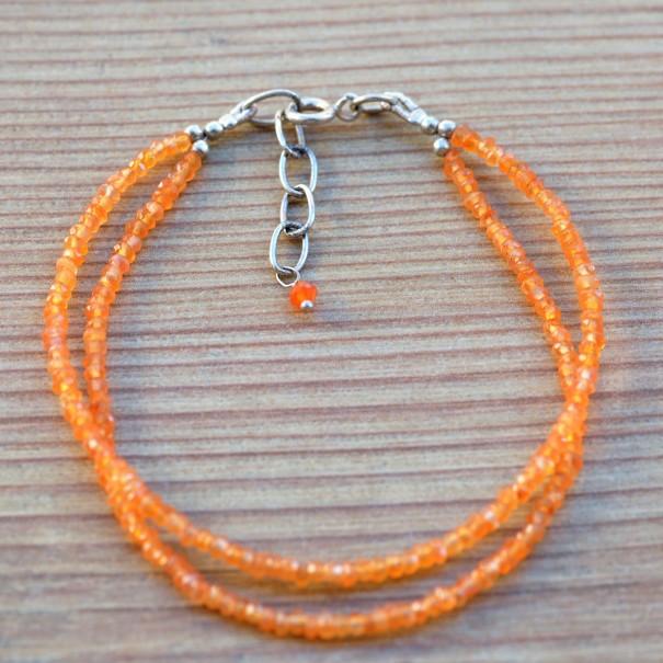 Bracelet 2 rangs en fines pierres en cornaline orange
