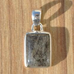 Petit pendentif rectangulaire en argent et pierre Quartz tourmaline