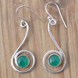 Boucles d'oreilles tige torsadée en argent et pierre Agate verte