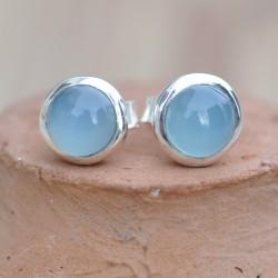 Petites boucles d'oreilles à clous en argent et en pierre Calcédoine agua ronde