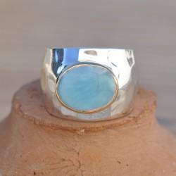 Bague anneau large en argent martelé et pierre Larimar ovale T52