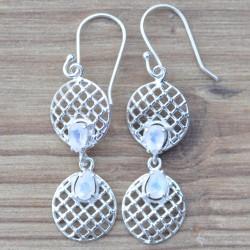 Boucles d'oreilles pendantes 2 ronds en argent travaillé et Pierre de lune facettées