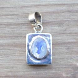 Petit pendentif coffre pierre naturelle Pierre de lune facettes et argent 925