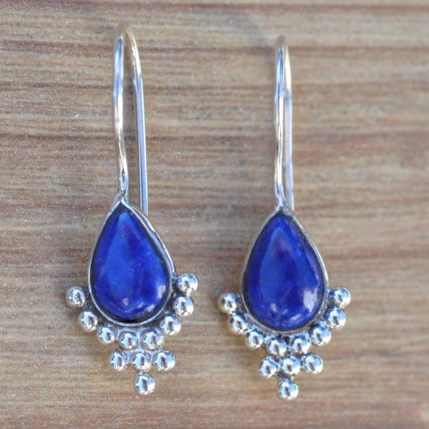 Petites boucles d'oreilles crochet rigide argent pierre goutte en lapis lazuli