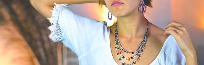 Bijoux avec pierres